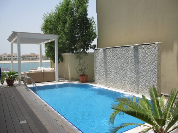 Palm Jumeirah Garden villa pool Water feature with Aluminium pergola